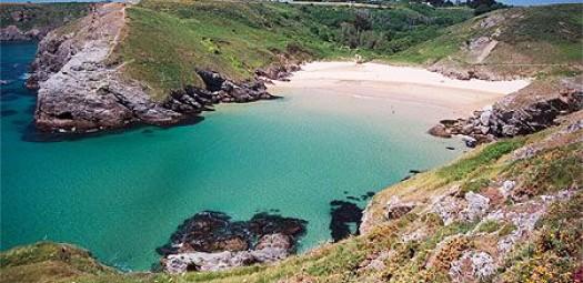Louer un bateau pour explorer les îles de Bretagne sud et Belle-Ile